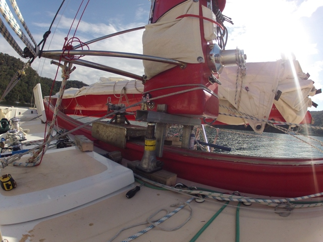 mast on jacks to remove mast car